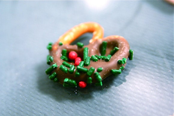 holiday pretzel