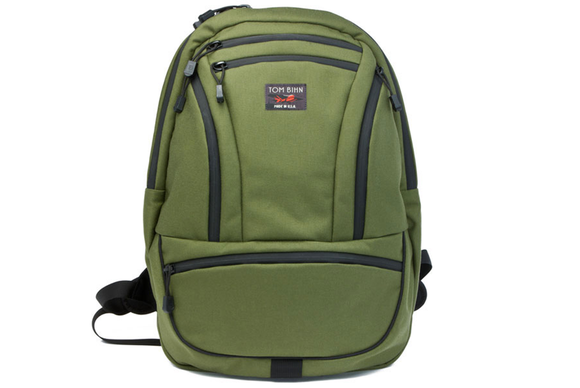 tom bihn synapse green front 580