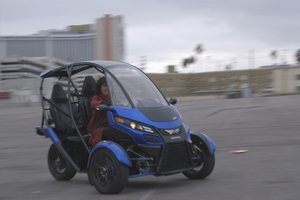 arcimoto srk driving ces 2016 cropped