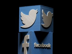 Twitter dives as Facebook continues to thrive