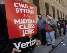 Washington nudges Verizon, striking unions back to bargaining table