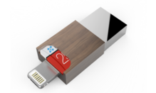 Micro thumb drive for Android and Apple devices has USB 3 speed