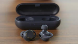 gear iconx with case